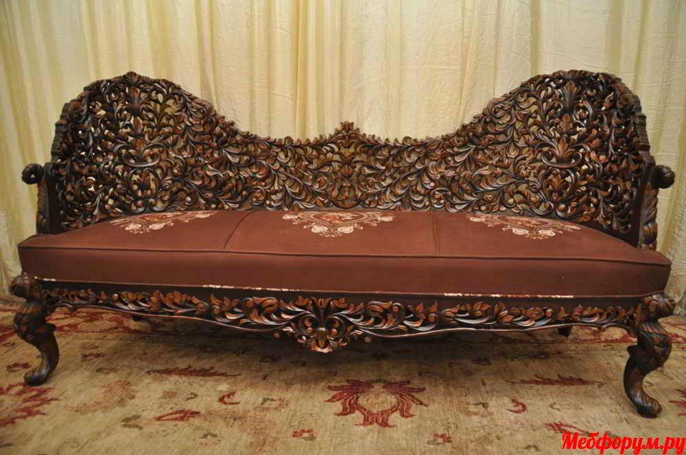 Sofas (12).JPG