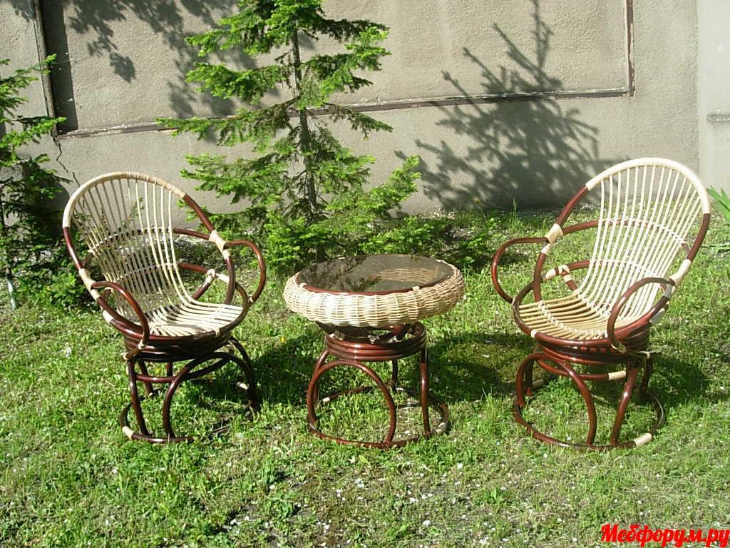 Набор мебели для отдыха(кресла с подлокотниками и стол с юбочкой).JPG